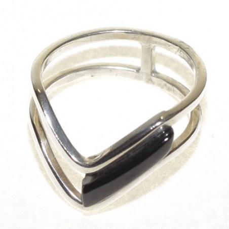 Anillo de plata y azabache de diseño moderno